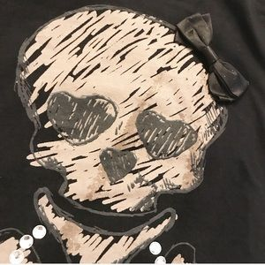 lola Tops - Skull black tank top shirt with attached bow